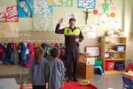 Visita policía 4 anys-002.JPG
